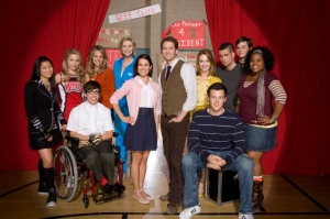 Cast of Glee: Pictured back row L-R: Jenna Ushkowitz, Dianna Agron,  Jessalyn Gilsig, Jane Lynch, Mark Salling, Chris Colfer and Amber Riley. Front row L-R: Kevin McHale, Lea Michele, Matthew Morrison, Jayma Mays and Cory Monteith. (Photo: Joe Viles/FOX)